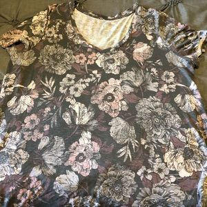 Maurice's Grey and Pink Floral T-shirt